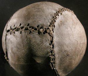 Balon de futbol antiguo