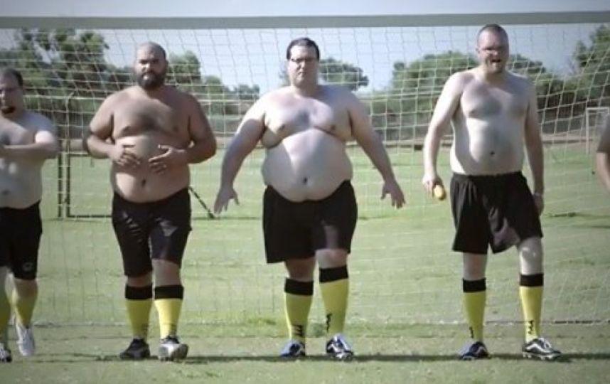 La primera Liga de fútbol solo para obesos es un éxito